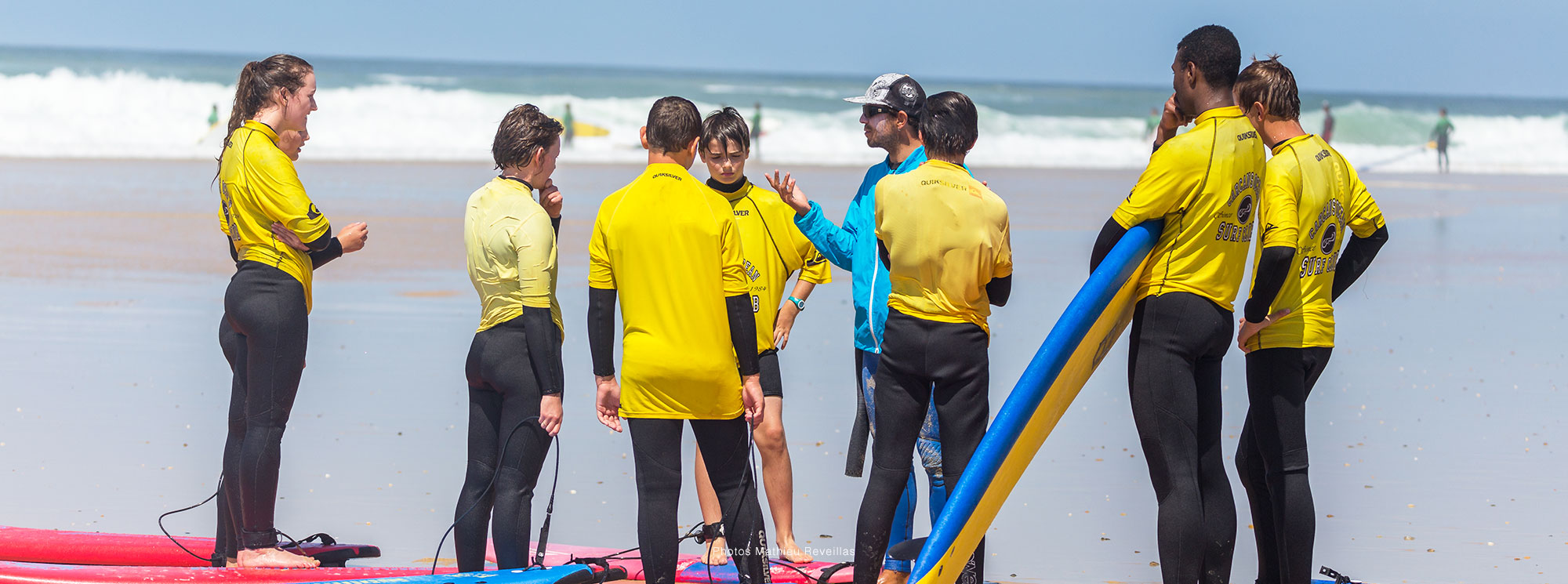 groupe surfeurs coco surf